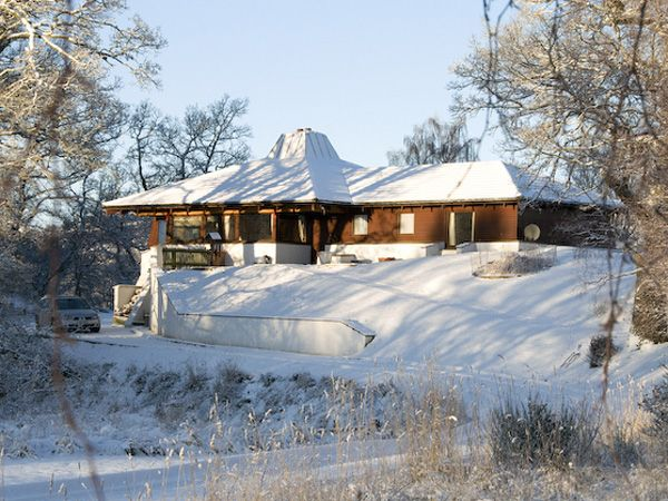Katchana log cabin with hot tub near Aviemore